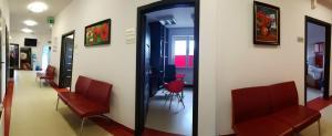 Centrum Leczenia SM Ośrodek Badań Klinicznych - skrzydło południowe - widok na gabinety